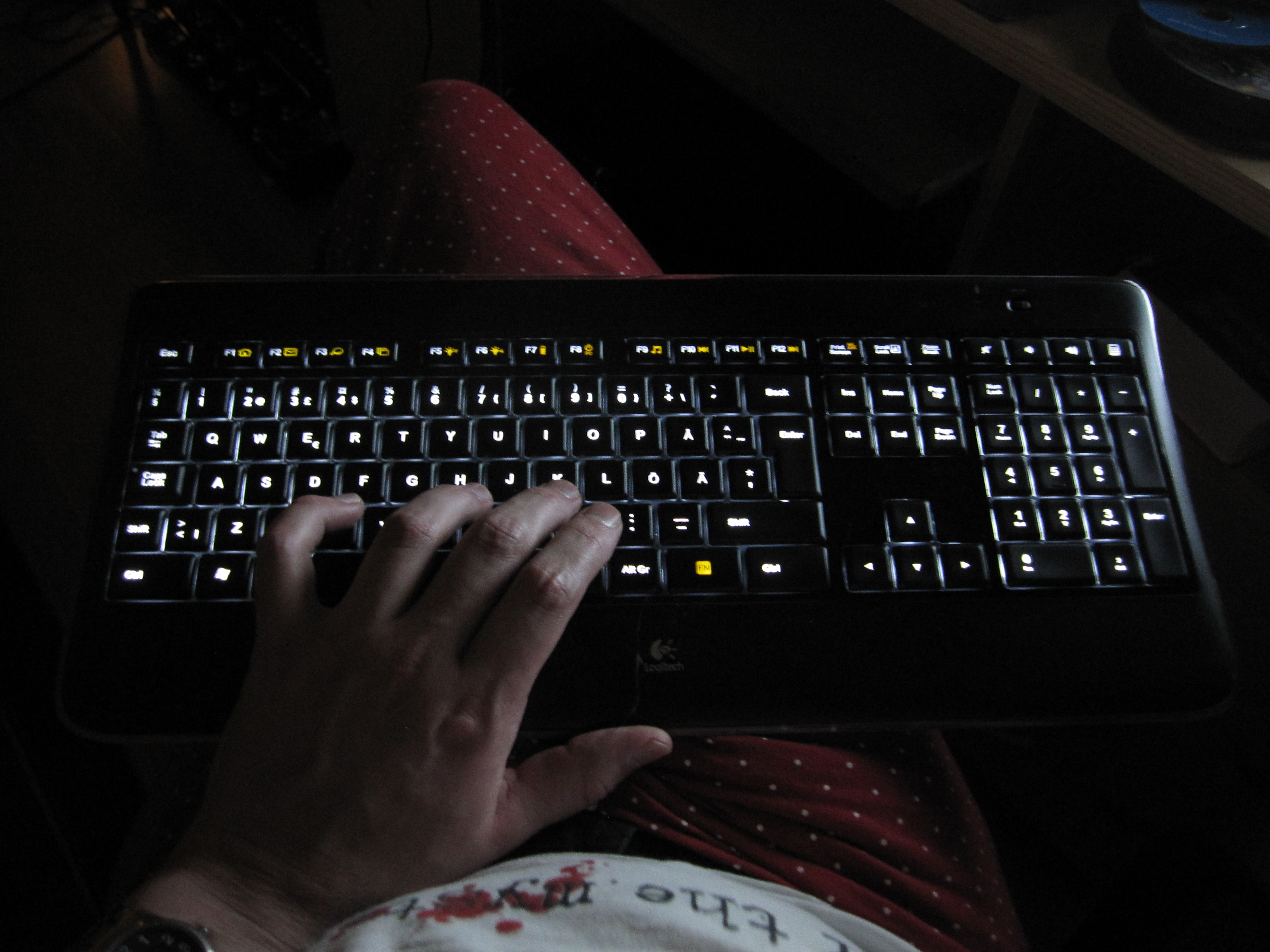 guide to repairing logitech k800 illuminated keyboard
