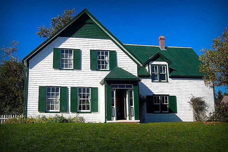 hire a guide for cycling in prince edward island