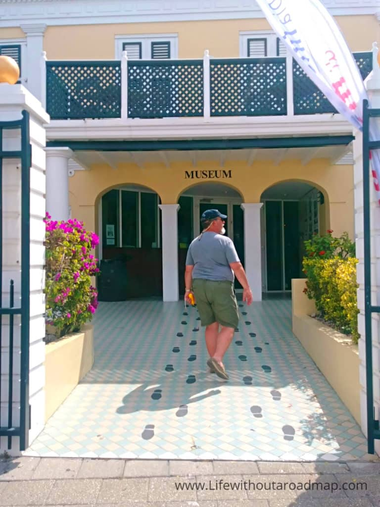 self guided walking tour willemstad curacao